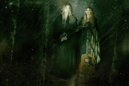 Mona & Maria - Silent Summer