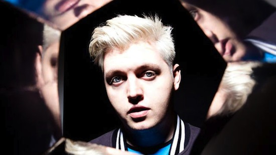 Flux Pavilion feat. Rosie Oddie – Gold Love