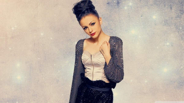 Cher Lloyd – I Wish (Acoustic Version)