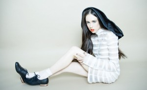 Allie X: Never Enough