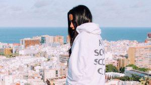 Sofi de la Torre: Flex Your Way Out ft. Blackbear